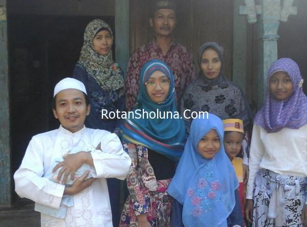 Keluarga Rotan Sholuna
